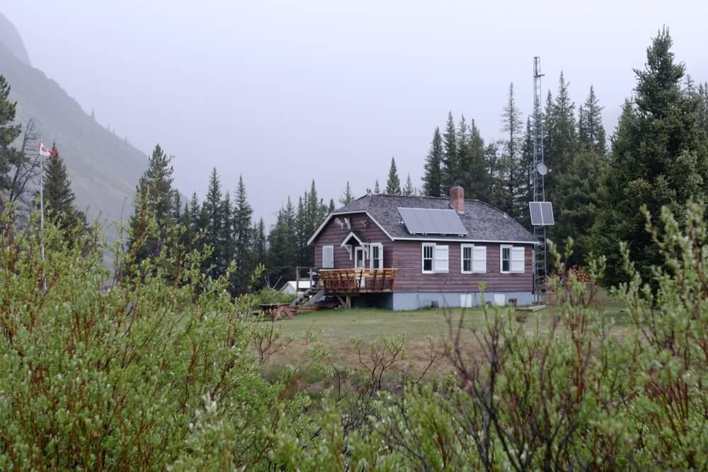 Das Bison-Gehege wurde nahe der Windy Cabin errichtet, wo die Parkranger während ihren mehrtägigen Schichten wohnen können.